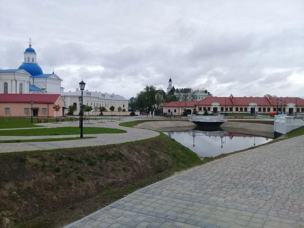 Филиал «ДСУ №65» ОАО «ДСТ №6» завершил работы по реконструкции центральной площади в агрогородке Жировичи
