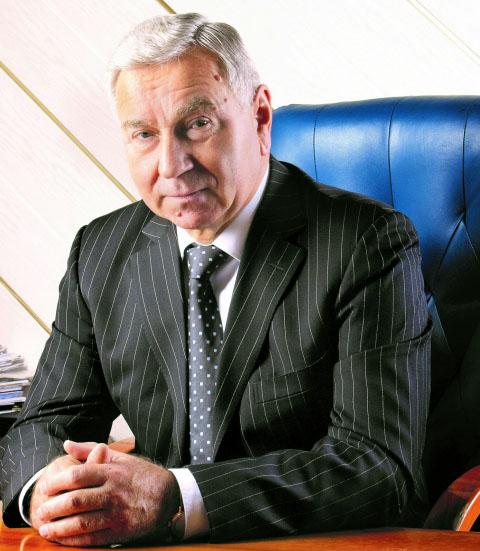 16 июля 2021 года на 72 — ом году жизни ушел из жизни бывший генеральный директор ОАО «Авиакомпания «Белавиа» Анатолий Николаевич ГУСАРОВ